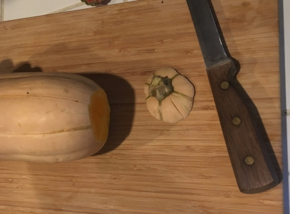 Cut top off squash